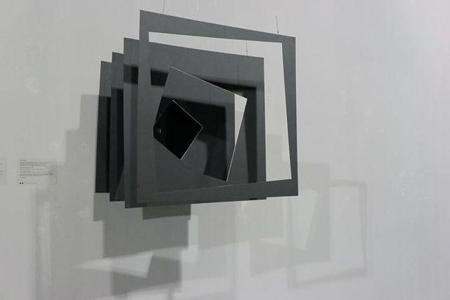 Тереза Барабаш. Із серії «Куби», об'єкт, папір, 2012