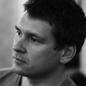 Денис Струк