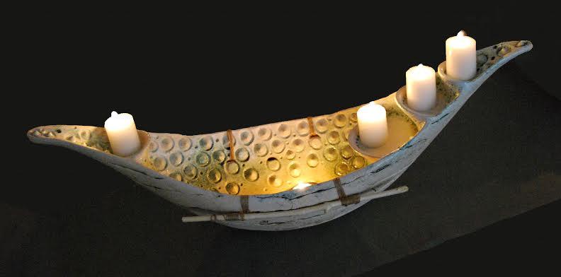 Декоративний підсвічник, 2011. Техніка: набивка у форму. Матеріал: шамотна маса, емалі.