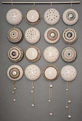 Декоративне панно «Квадрат», 2012. Техніка: лиття у форми. Матеріали: фаянс, ангоби, емалі, глазурі. Додаткові матеріали: метал, шнур.