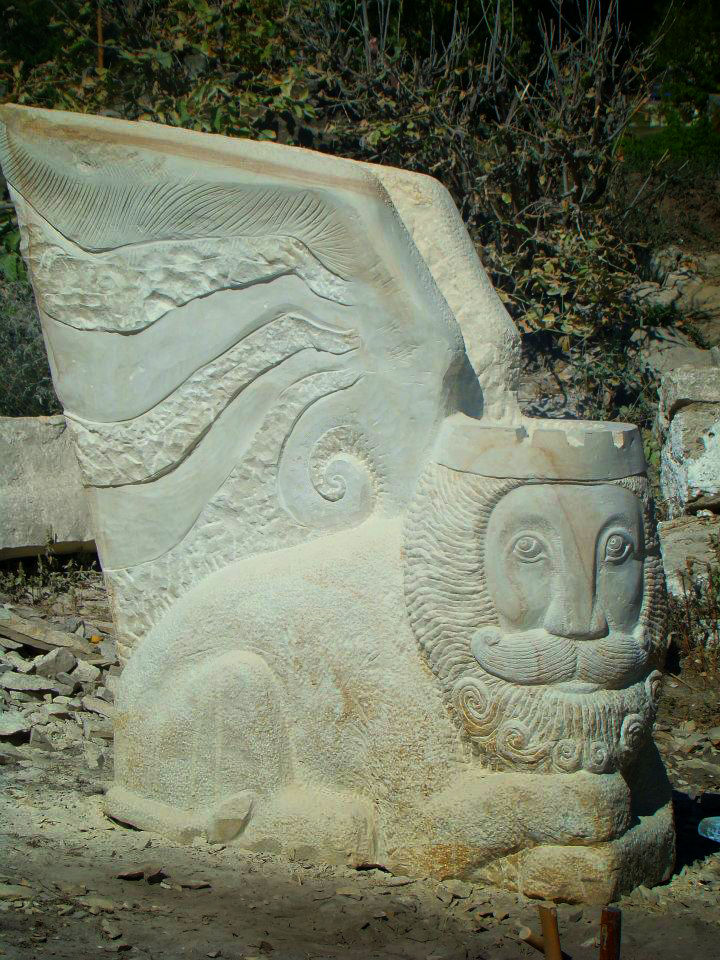 Гордій Старух. Крилатий Лев, 2012. Камінь пісковик
