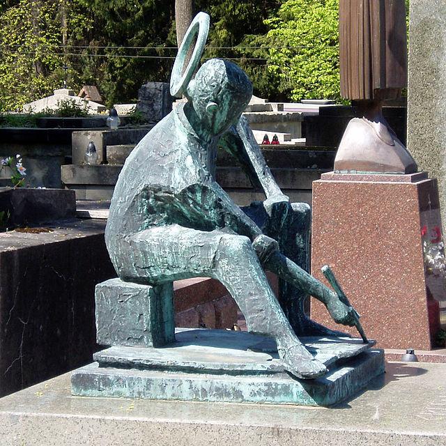 Роман Петрук.Пам'ятник на могилі художника Євгена Лисика на Личаківському цвинтарі у Львові, 2005