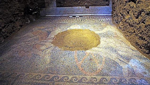 В Македонії розкопали найбільшу в світі мозаїку