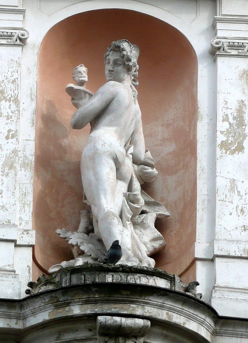 Антон Суліма-Попель. Статуя «Європа»(готель «Жорж»)