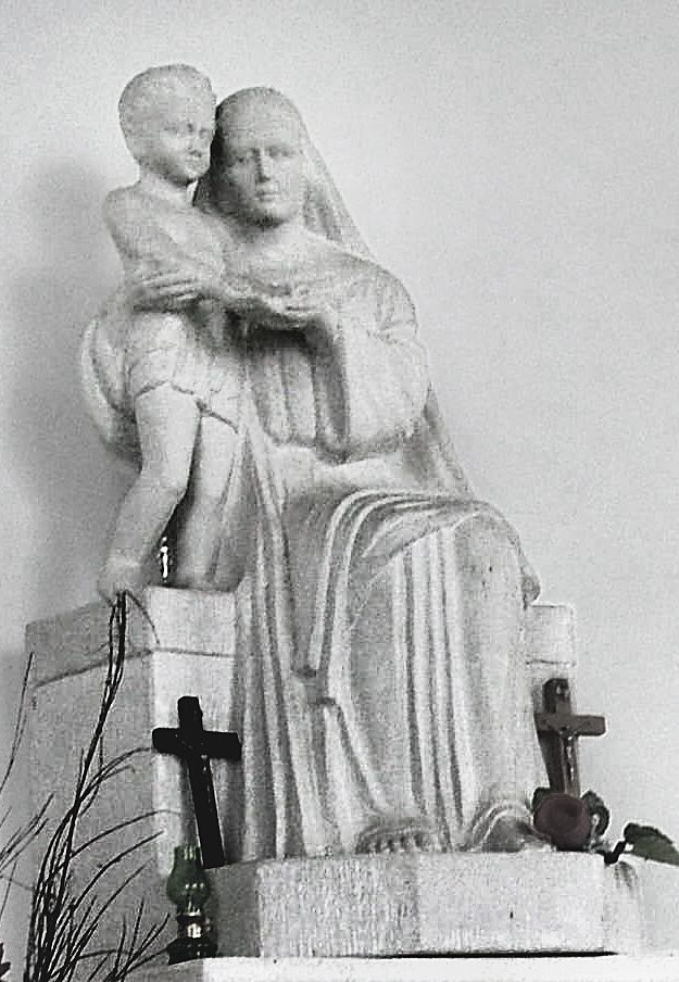 Люна Амалія Дрекслер. Скульптура для каплиці цвинтаря Орлят, 1924