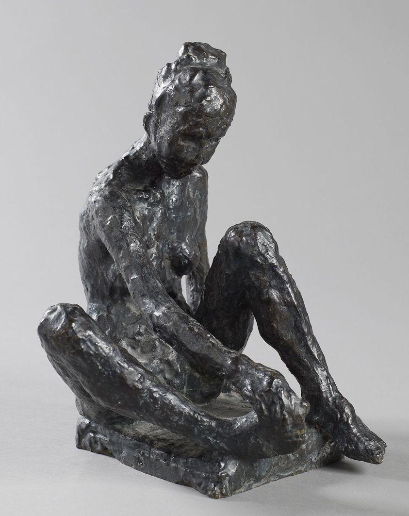 Леопольд Крец. Жінка, що сидить; бронза, h-30
