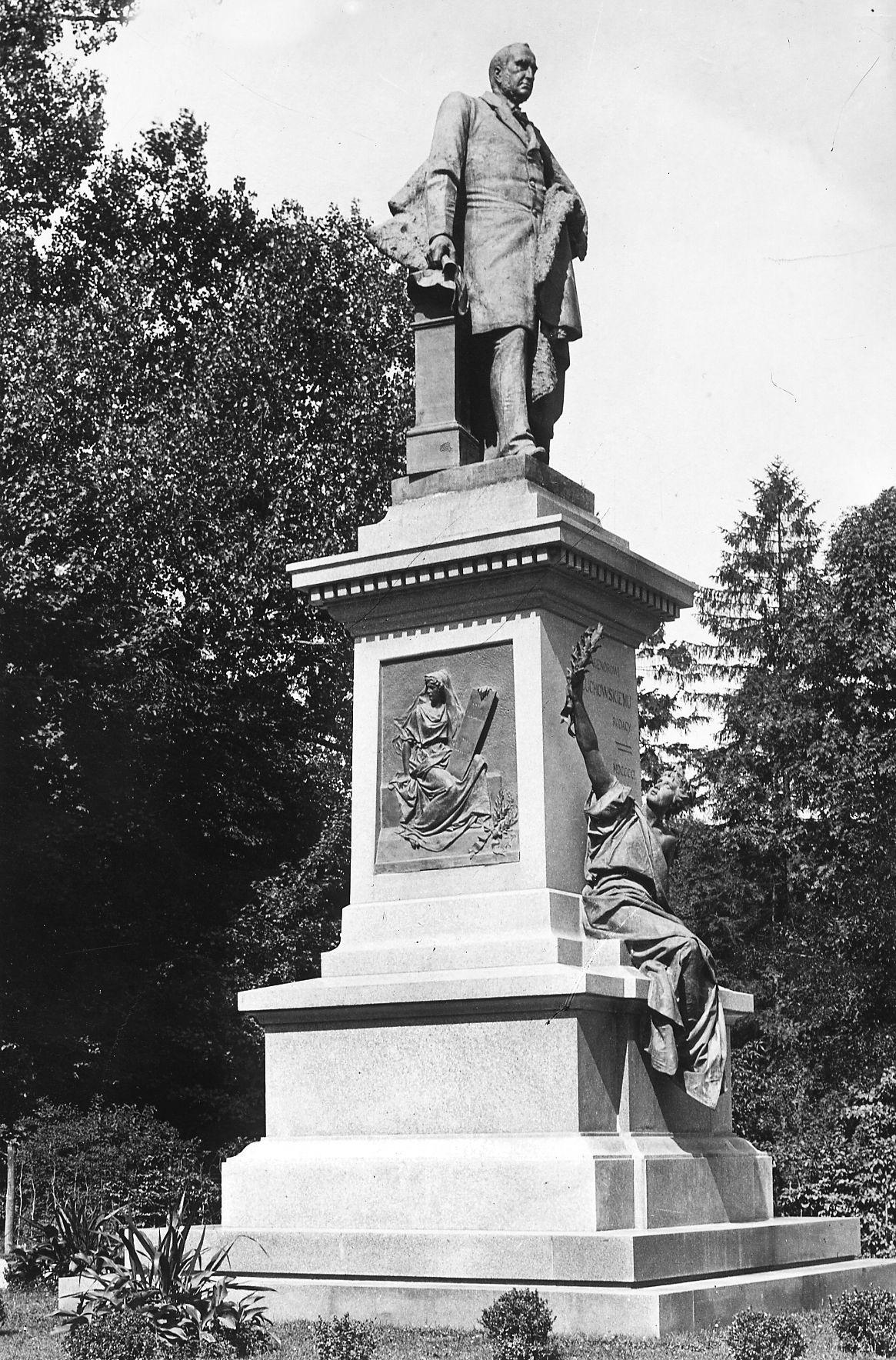Ципріан Годебський. Пам'ятник А. Голуховському, Львів, 1901; бронза