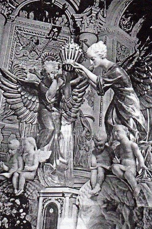 Яніна Райхерт-Тот. Фігури ангелів. Костел святої Марії Магдалини, Львів