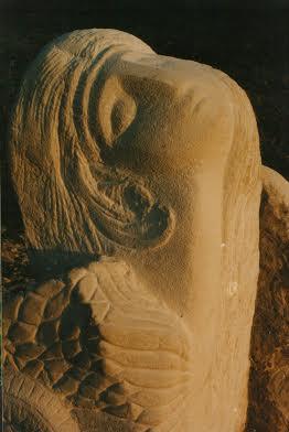 Дарія Альошкіна. Птаха Сірин, 1998. Камінь пісковик