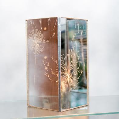Роксолана Худоба. Свічник «Кульбаба», 2013. Скло, дзеркало.