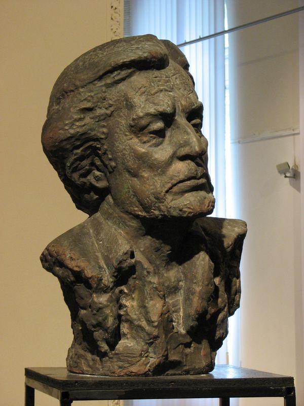 Еммануїл Мисько. Р. Іванничук, 1969. Гіпс тонований, 67х33х38