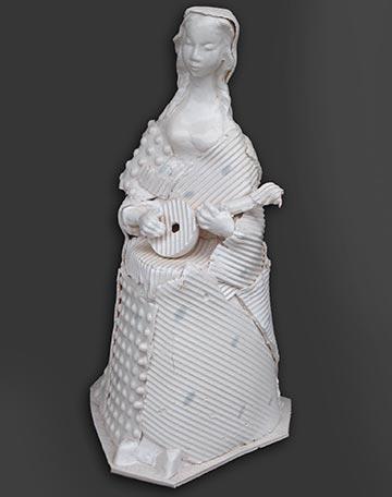 Ігор Ковалевич. Дівчинка з лютнею, 2008. Кам'яна маса, емалі. h 39