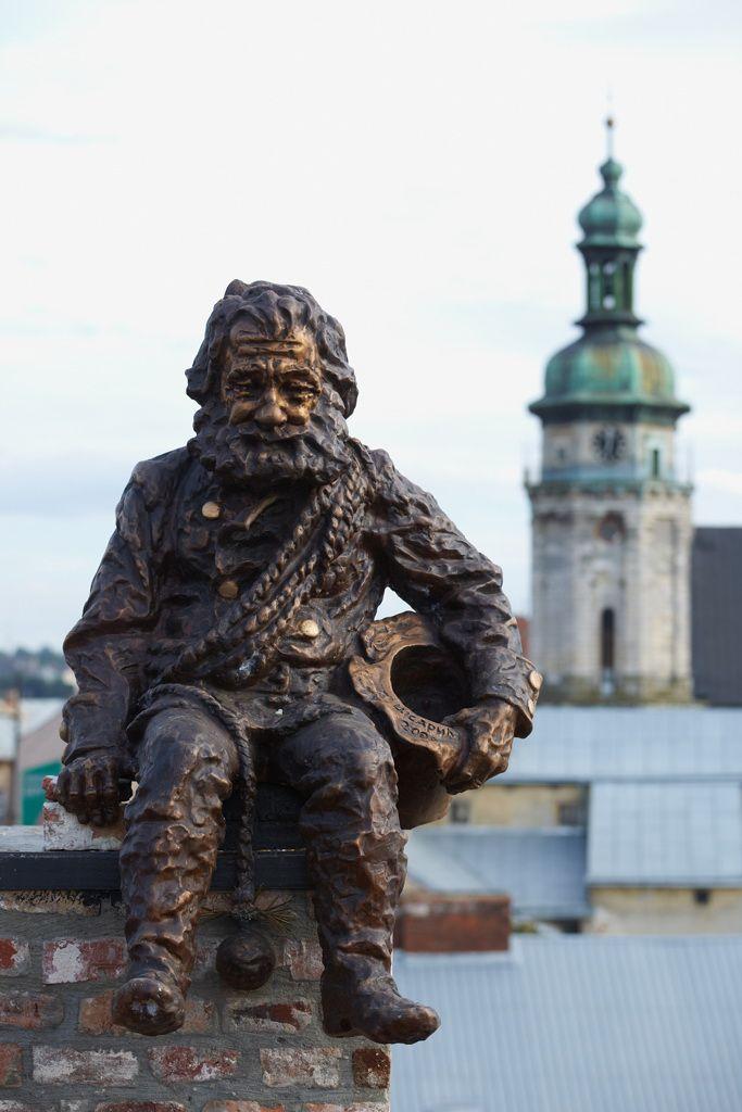 Володимир Цісарик. Пам'ятник львівському сажотрусу, 2010