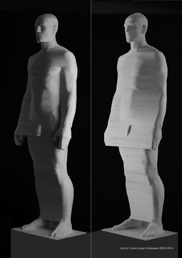Микола Молчан. Людина. Пластичне узагальнення, 2016, гіпс,папір h-183