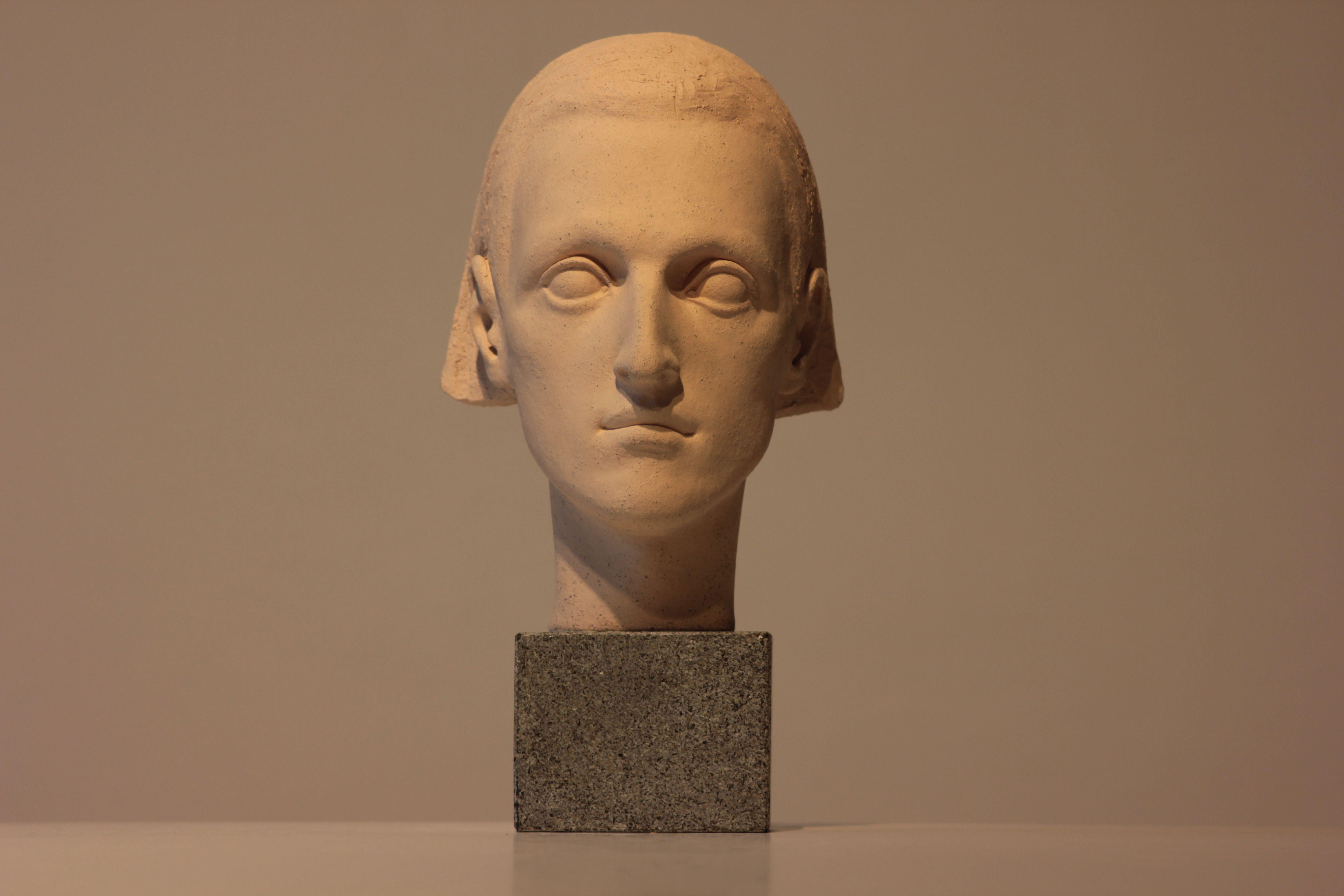 Денис Шиманський. БУМ, 2015; кераміка (шамот), граніт